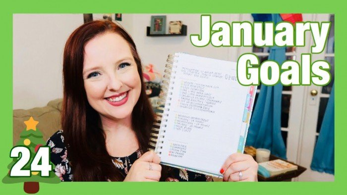 December Goals Check In & January Action Items | Vlogmas 2019